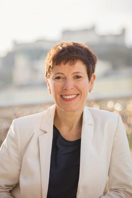 Mag.a Ursula Hemetsberger